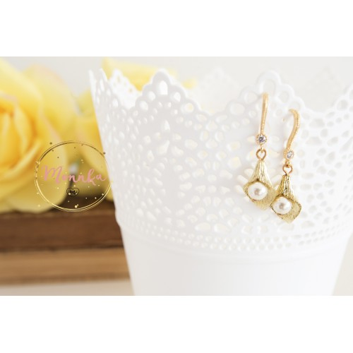Calla Lily Earrings, Gold Dangle Drop Calla Lily Flower Earrings