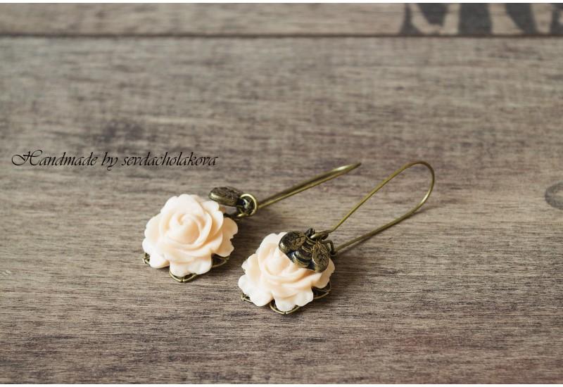 Bee Earrings. Polymer Clay Peach Rose Dangles