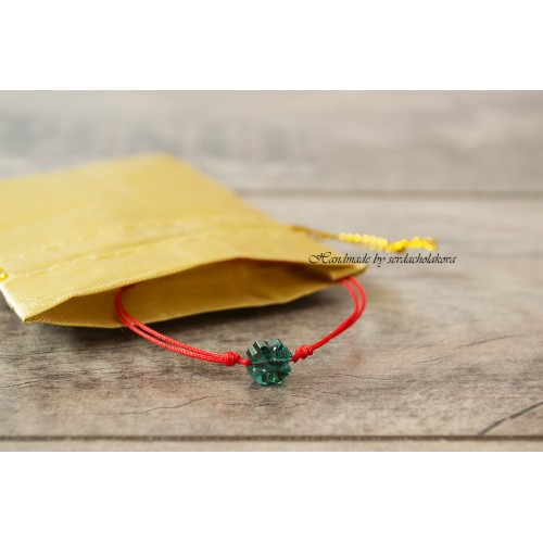 Clover Bracelet. Red String Bracelet. Swarovski Crystal Four Leaf Clover