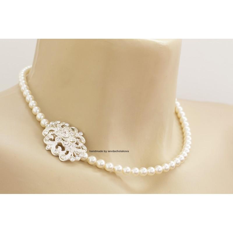 28ccc9efcd13b Pearl Necklace. Swarovski Crystal White Pearl Choker. Rhinestone Brooch